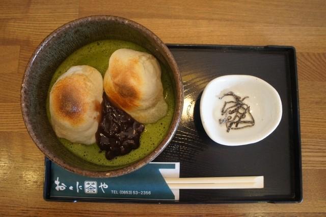 おくに茶や - お饼は地元岛根県が产地である仁多米を使用しており