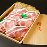 伊勢志摩ロイヤルポークは、甘み、コクのある肉質の優れた自慢の地元ロイヤルポークです。