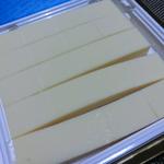 ロイズの生チョコレート ホワイト。水分含有率17%は脅威の数字だとか。