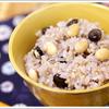 禄穀米に、ひえ・あわ・きび・アマランサスの雑穀を加えた雑穀豆ごはん。更に栄養価がパワーアップし、雑穀独特の匂いもありません。