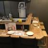 やきとり山鳥 - 内観写真:オープンキッチンのカウンターはいかがですか