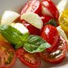 ラ・バラッカ - メイン写真:花井さんトマトとモッツァレラブッファラのカプレーゼ