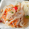 タイーヤータイ - メイン写真:ソムタムと豚トロの炙り焼き