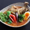 年輪 - 料理写真:定番 やわらかチキンスープカレー 1180円 辛さの調節・トッピングもできます。