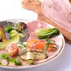 テストキッチンエイチ - 料理写真:自家製ハム盛り合わせ