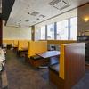 ニルワナム - 内観写真:ゆったりとした座席と開放的な店内