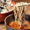 創作十割蕎麦 とらせんにん - メイン写真:そば_リフトアップ(スープ)