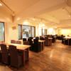 幸喜屋 - 内観写真:【2F ホールフロア】 全100席ある店内。大人数の宴会でも◎!!