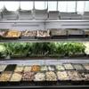 鑫福火鍋城 - 料理写真:野菜は50種類以上あり、カニやエビも食べ放題!