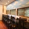 いけの飯店 - 内観写真:一人できてもゆっくりできるカウンター席。