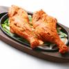 居酒屋インド料理店チャンドラマ - 料理写真:当店でも大人気の定番料理!タンドリーチキン