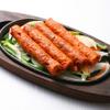 居酒屋インド料理店チャンドラマ - 料理写真:挽き肉をを鉄串に巻いて炭火で焼きます!シークカバブ