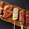 比内地鶏本格焼酎 海舟 - 料理写真:比内地鶏と大山鶏の盛り合わせ(5本) 840円