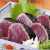 たたき亭 - 料理写真:藁焼き鰹の塩タタキ  無農薬わら焼、天然塩で焼いた「鰹の塩タタキ」。