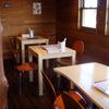 たまごカフェ - 内観写真:1階テーブル席です。