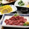 天草 - 料理写真:熊本名物の馬刺しや辛子れんこん