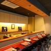 四六八ちゃ個室別館 - 内観写真:料理人と対面して語れるカウンターはオススメの席
