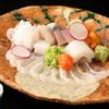 間人 - 料理写真:旬の刺身盛り合わせ