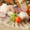まにん - 料理写真:旬の刺身盛り合わせ