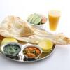 ムナ - 料理写真:ディナーのCセット。大人気ナンとライスおかわり自由です