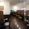 カトマンドゥカリーPUJA - 内観写真:席はパーテーションで区切られてます。