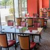 中国料理 桃李 - 内観写真:赤を基調とした落ち着いた雰囲気の店内です。
