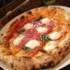 terzo - 料理写真:トマト、モッツァレラ、バジリコのシンプルなピッツァ、マルゲリータです。もちろん味は絶品!