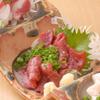 尊 - 料理写真:熊本から直送で送られてくる馬刺しは絶品♪