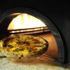 カリーナ カリーナ - 料理写真:窯で焼きあがる 熱々のピッツア