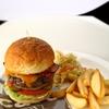 MLB Cafe Tokyo - 料理写真:定番料理のこだわりのハンバーガー