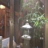 江戸肉割烹 ささや - 外観写真:中庭に降る雪