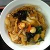 聚中縁餃子 - 料理写真:エビ、帆立とイカのかた焼きそば