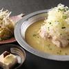 鳥一代 - 料理写真:参鶏湯(赤・白)日本人向け用に考案したコラーゲンとヒアルロン酸たっぷりスープ。