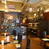 ソムオー - 内観写真:ゆとりのある店内