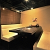 肉の町 - 内観写真:半個室の席でくつろぎながら・・・