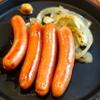 めんくいや - 料理写真:仕入れのお肉屋さんの協力でカリっとした歯ごたえとジュワーとした肉汁の美味しいウインナーを鉄板で焼きました
