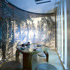 アイアン・バード - 内観写真:女性に人気!こちらの個室は壁面がガラス張りで上から水が流れています!