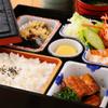 四万十屋 - 料理写真:ころばし弁当:1200円 リーズナブルに四万十川の幸が味わえるお弁当。川海老、青さ海苔、ごり、ウナギ(養殖)など四万十の幸をご賞味ください。
