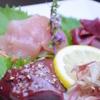 餃子鍋 A-chan 北新地 - 料理写真:朝引き地鶏のお刺身は、毎朝新鮮な鶏肉を仕入れています