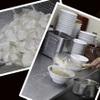 らーめん潤 - 料理写真:【背脂について】 雪国新潟ならではのトッピング材。背脂で覆われたどんぶりは箸を入れるまで湯気がたたないんです!