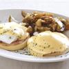 バビーズ - 料理写真:大人気のエッグベネディクト!マフィンに厚切りハム、半熟卵をのせオランデーズソースをかけた逸品!