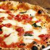 大衆イタリア食堂 アレグロ - 料理写真:一番人気!薪窯で一枚一枚丁寧に焼き上げたナポリピッツァ。