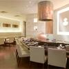 天ぷら ひさご - 内観写真:カウンターとテーブルでご利用シーンにあわせてご案内いたします。