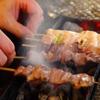 鶏屋たまい - 内観写真:備長炭でじっくり焼き上げる焼鳥