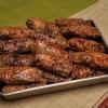 鶏そば - 料理写真:自慢の鶏肉です。一つ一つ丁寧に網で包み、炭火で焼いております。