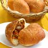 スペイン石窯パン工房 メリチェル - 料理写真:当店人気商品「牛肉たっぷりカレーパン」