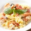 チェイスコ - 料理写真:エビとフレッシュトマトの自家製タリアテッレ、バジルバター風味