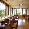 萬店 - 内観写真:1階・レストラン店内 広々とした店内でごゆっくりお食事をお楽しみいただけます。