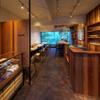 レーベルカフェ OSAKA - 内観写真:木を基調とした温かみのある店内はつい時間を忘れてしまう空間。