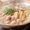 すゞき - 内観写真:濃厚なもつと野菜の旨みがたっぷり詰まった『もつ鍋』